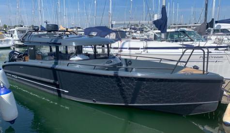 XO Boats 270 OB Cabin